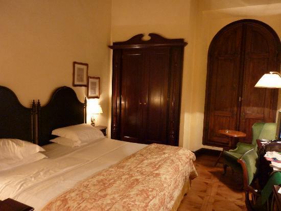 Grand Hotel Baglioni Firenze : BAGLIONIで泊まった部屋です。