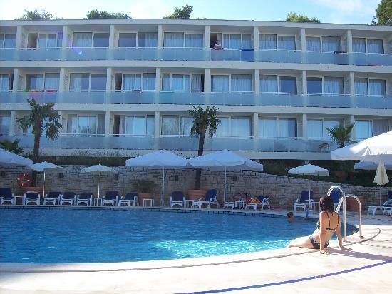 Miramar Hotel: piscina