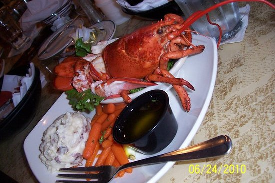Schooners Seafood and Steakhouse : Yes, this is actual size!