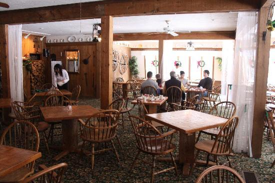 Grey Bonnet Inn: Restaurant