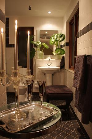 Northcliff Manor Guest House: Bathroom Bedr. no 3