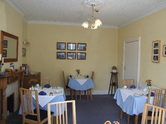 Harvington House: Sunny Dining Room
