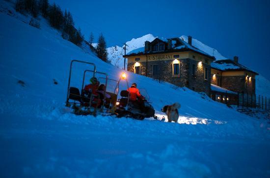 hotel maison de neige la thuile italie voir les
