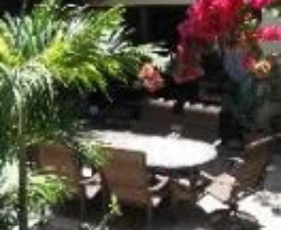 Casa Tuscany Inn Thumbnail