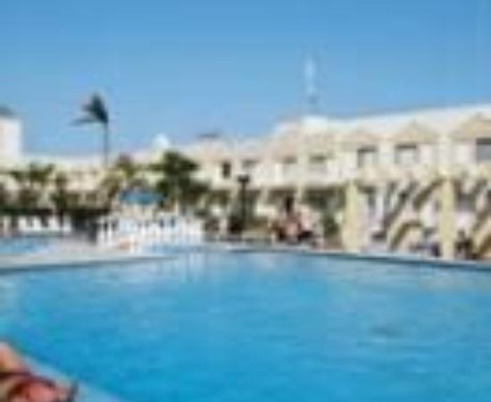 Holiday Inn Express Cancun Zona Hotelera Thumbnail