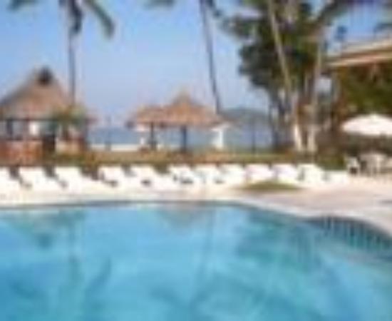 Hotel y Bungalows Estancia San Carlos Thumbnail