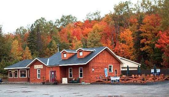 The Moose Cafe: Beautiful Setting, Relaxed Dining