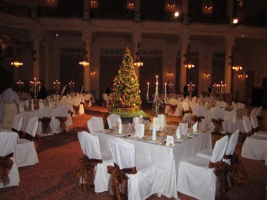 Grandhotel Pupp: concert hall set for xmas day