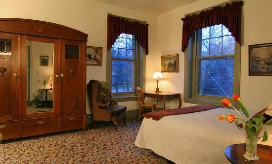 The Lafayette Inn: Room 23