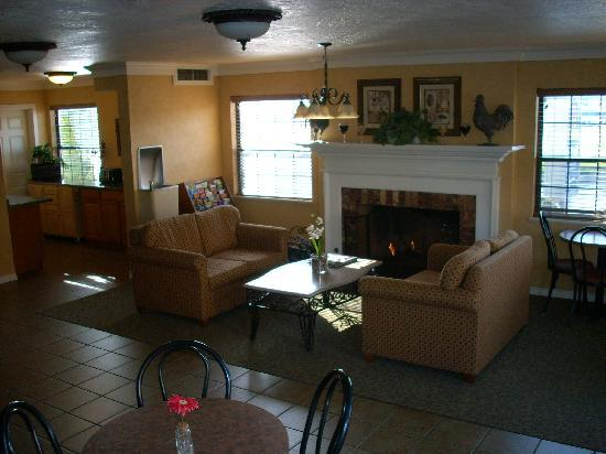 BEST WESTERN Grants Pass Inn: Cozy Lobby