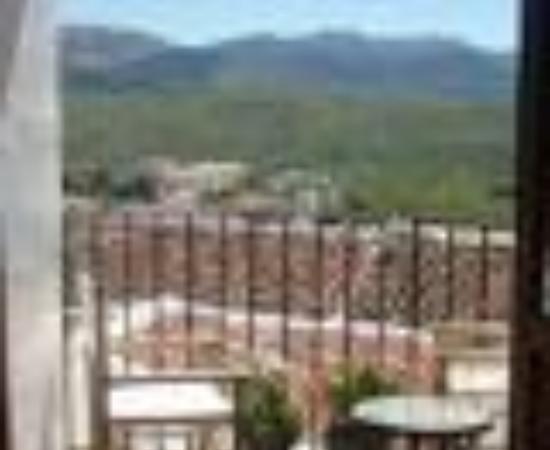 Hotel Los Castanos: Hotel Los Castanos Thumbnail