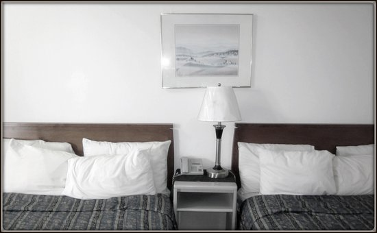 Westgate Motor Inn & Liquor: Double Beds