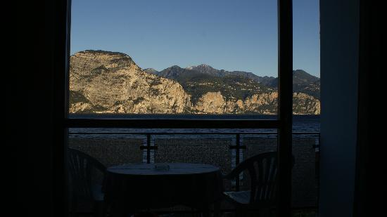 Brenzone, Italy: This was our when we woke up each morning.