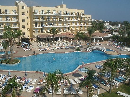 Odessa Beach Hotel: view from balcony of the better pool next door!