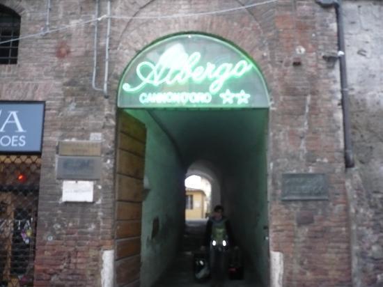 Albergo Cannon d'Oro: Entrada para el Hotel