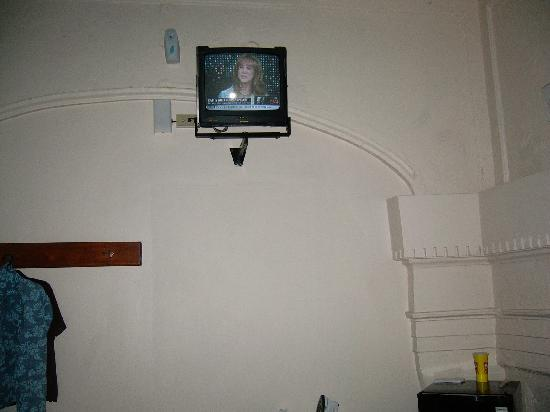Hotel Colonial : View of the T.V. from the bed