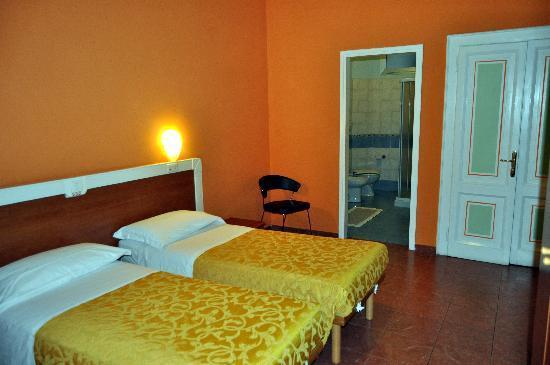 Hotel Eden: habitacion