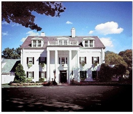Crabtree's Kittle House Restaurant & Inn: The House