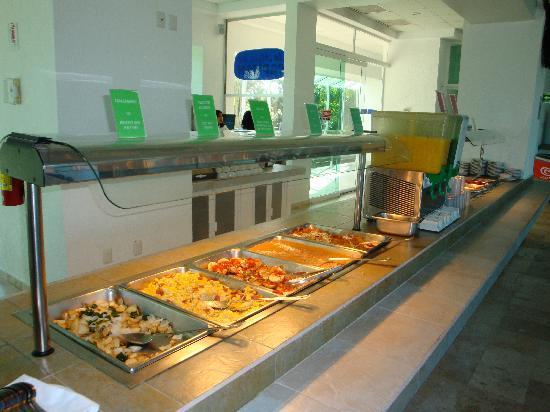 Villa Varadero Hotel & Suites: Buffet