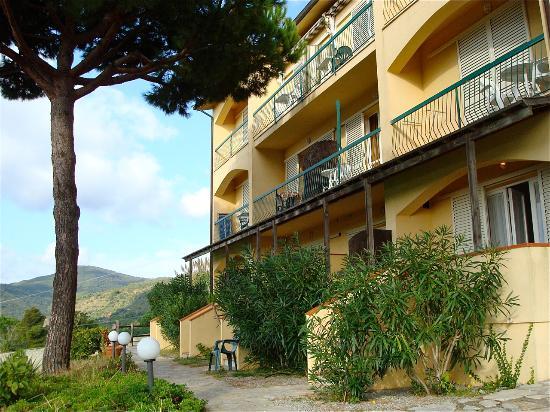 R.T.A. Mini Hotel