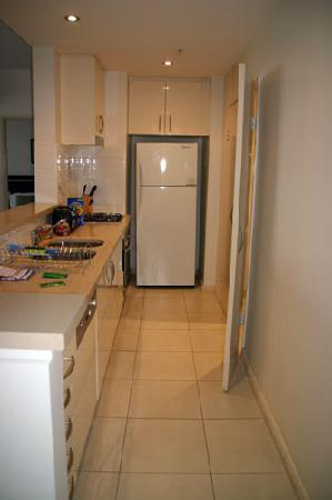 Meriton Serviced Apartments Kent Street: Kitchen