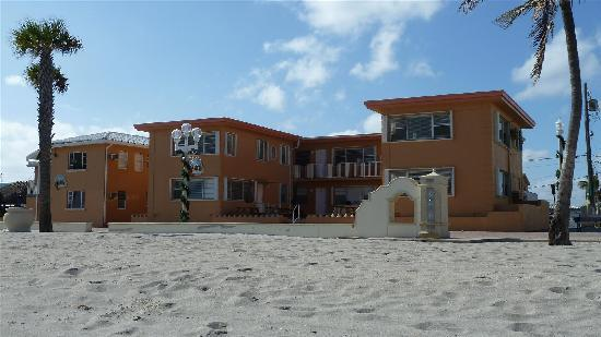Riptide Hotel: Riptide from the beach