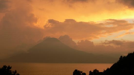Villa Sumaya: dramatic sunset from our room