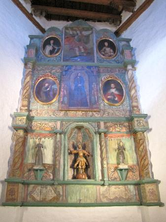 San Miguel Chapel : Altar piece in San Miguel Mission