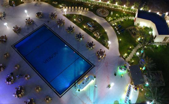 Acacia by Bin Majid Hotels & Resort: Pool bei Nacht