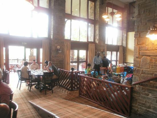 Drakensberg Sun Resort: Chilren's Area in Restaurant