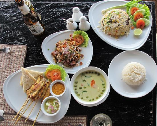 Lunch, Ocean Breeze Resort, Khao Lak
