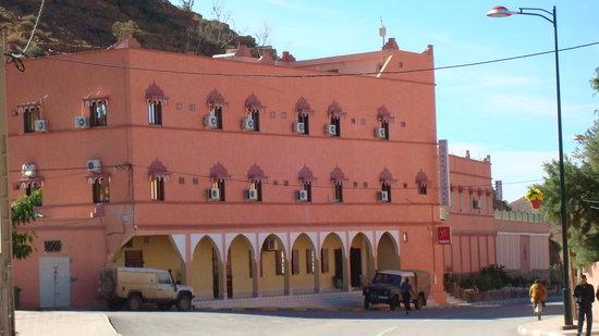 Tata, Morocco: hotel vue de la route