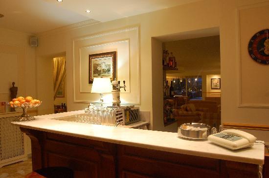 bar  hotel villa ida
