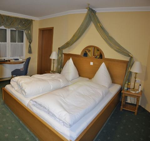 Room hotel Kaisershof Medelon Germany  NRW