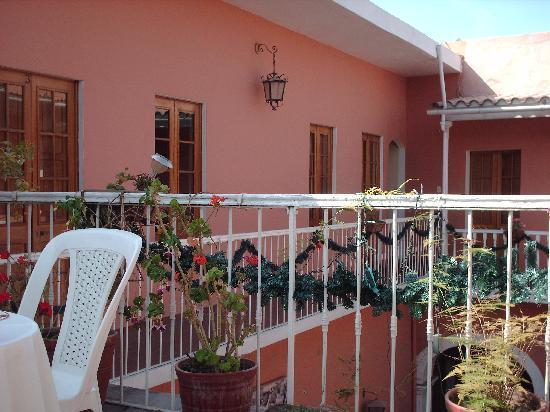 Posada Nueva Espana: hotel courtyard