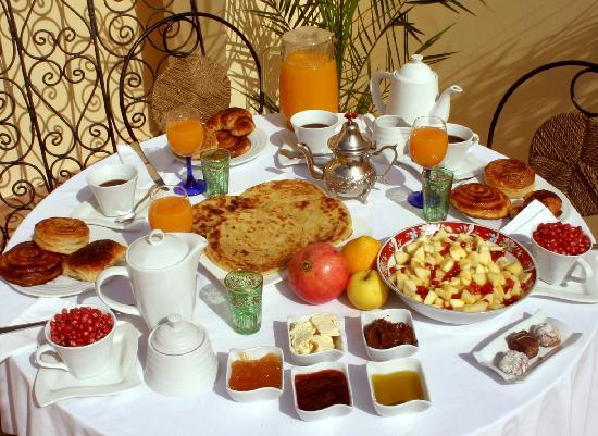 riad chbanate essaouira breakfast at the terrasse
