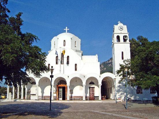 Hotel Violetta : Kirche von Kamena Vourla