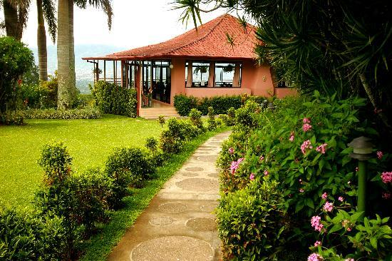 Pura Vida Retreat & Spa: Pura Vida Spa Costa Rica Yoga Hall