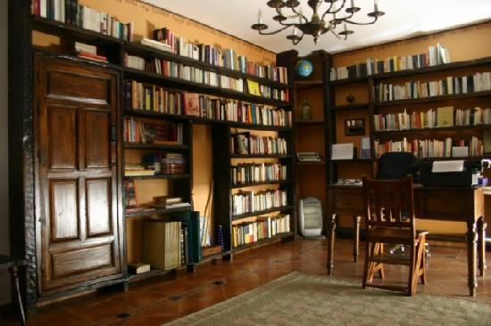La Casa con Libros: Biblioteca