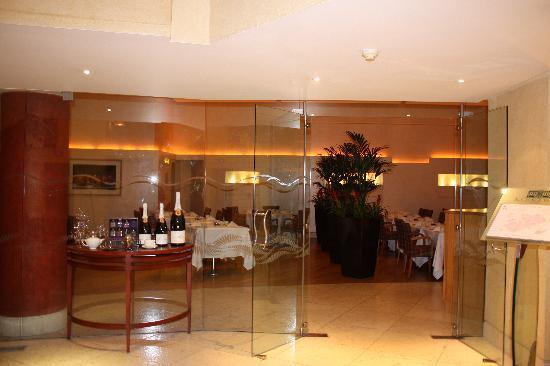 โรงแรมคิงส์เวย์ ฮอลล์: Ingresso sala colazione