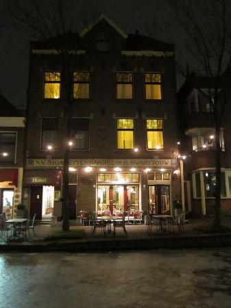 Hotel Johannes Vermeer: Exterior