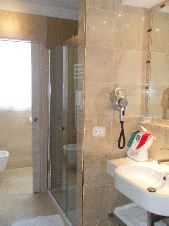 Grand Hotel Miramonti: Bagno