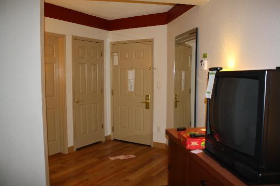 La Quinta Inn & Suites Atlanta Perimeter Medical: Entry