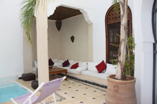 Riad Alma: patio piscine