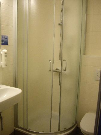 Hotel Aan Zee: Baño