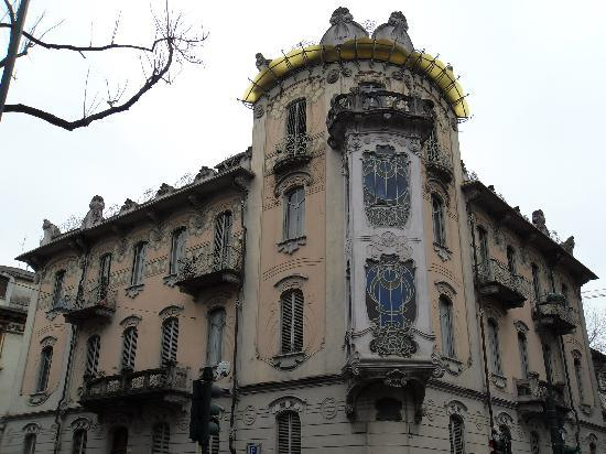 Turin, Italia: palazzo Fenoglio