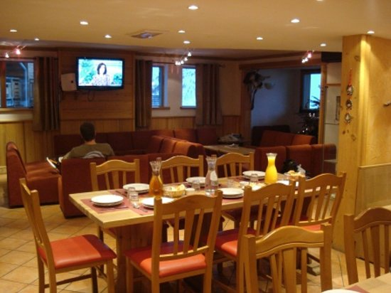 Chalet Hotel Aigle : Living Area