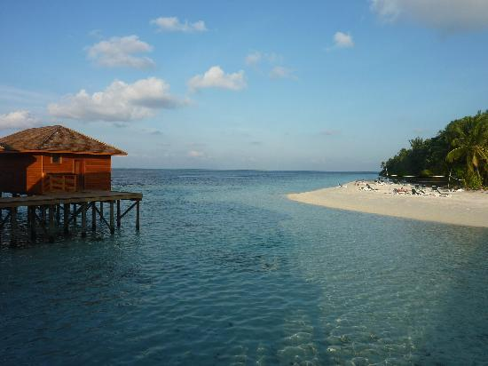 Vilamendhoo Island Resort & Spa: view from the Spa