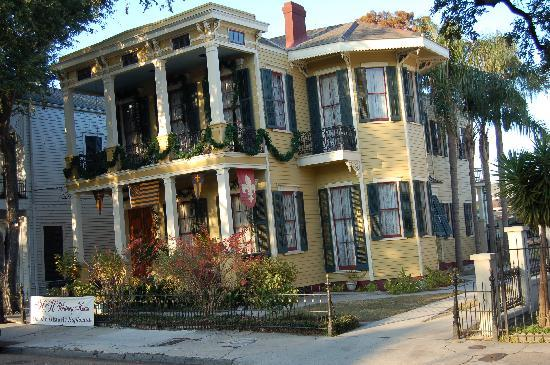 HH Whitney House on the Historic Esplanade: HH Whitney on the Historic Esplanade