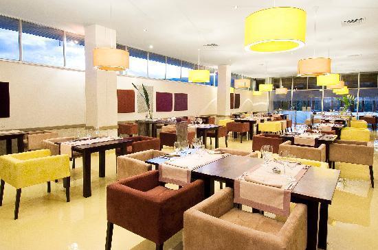 Hotel Carlton Antananarivo Madagascar: Café Charly restaurant
